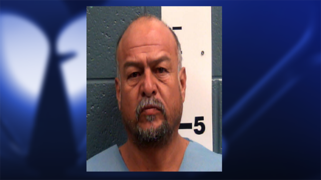 Las Cruces man throws knife at law enforcement, sets himself on fire