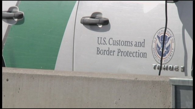 Authorities: Off-duty border agent found assaulted near road