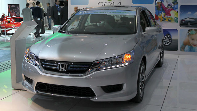 Honda Reveals 10th-Gen Accord
