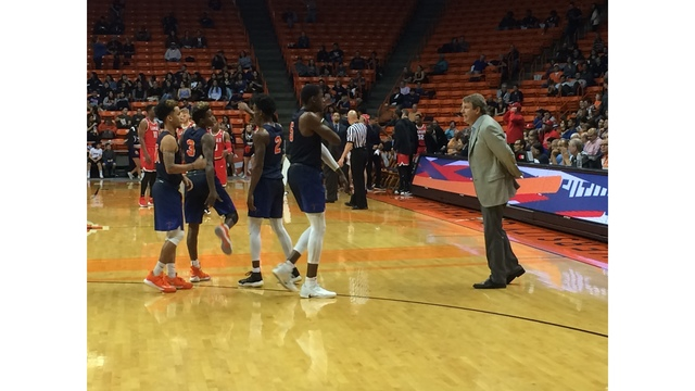 UTEP Coach Tim Floyd Retires Abruptly After Loss to Lamar