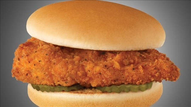 Chick-fil-A hosts toy drive, will give free sandwiches to donors